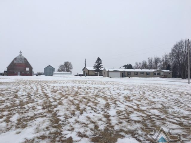 46003 280th St, Hurley, SD 57036 (MLS #21800941) :: Tyler Goff Group