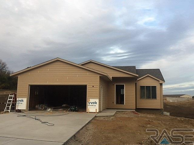 1712 E Tracy Ln, Sioux Falls, SD 57103 (MLS #21801050) :: Tyler Goff Group