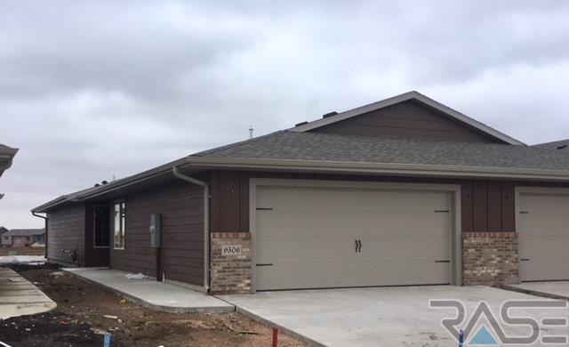 9506 W Gert St, Sioux Falls, SD 57106 (MLS #21802065) :: Tyler Goff Group