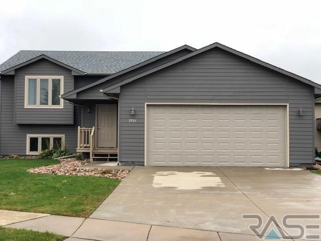3901 W 83rd Ave, Sioux Falls, SD 57106 (MLS #21806405) :: Tyler Goff Group