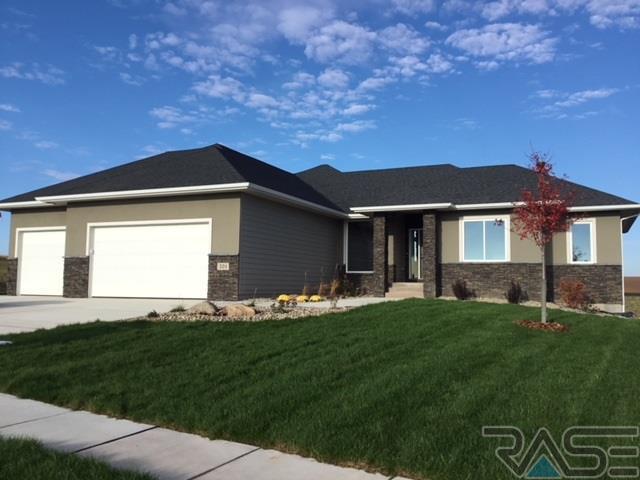 201 NE Harvest Hill Cir, Sioux Falls, SD 57110 (MLS #21806557) :: Tyler Goff Group