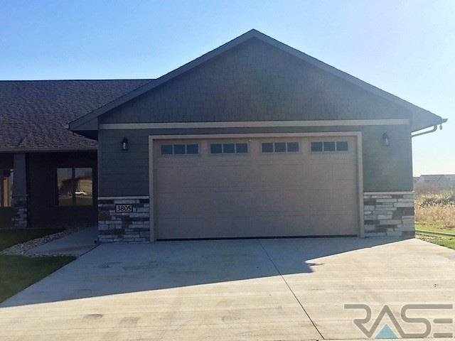 3801 E 68th St, Sioux Falls, SD 57108 (MLS #21807063) :: Tyler Goff Group