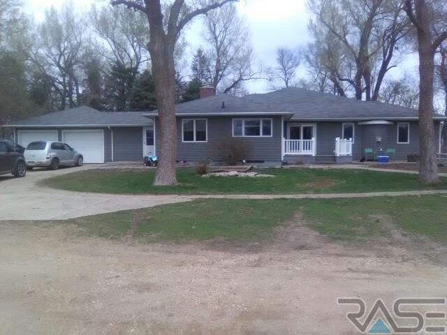 1119 County Hwy 7, Tyler, MN 56178 (MLS #21900464) :: Tyler Goff Group