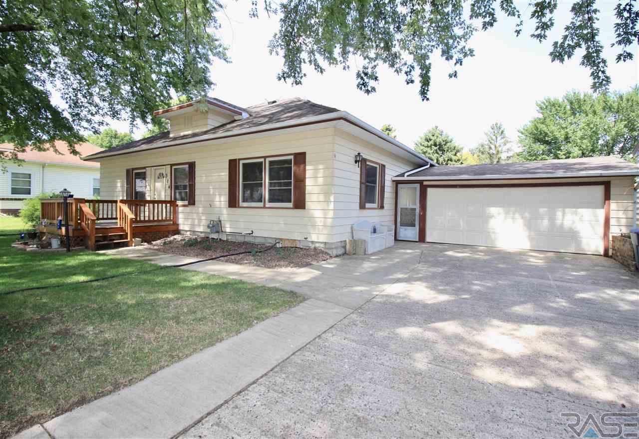 304 3rd Ave - Photo 1