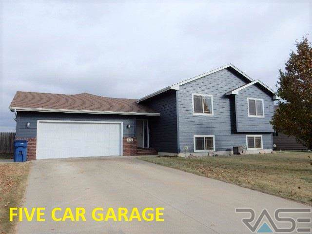 510 Cottonwood Dr, Harrisburg, SD 57032 (MLS #21907602) :: Tyler Goff Group