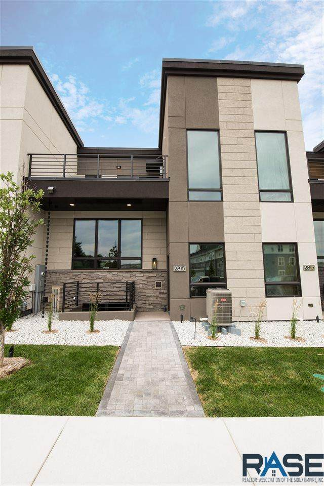 2815 S Terry Ave, Sioux Falls, SD 57106 (MLS #22000602) :: Tyler Goff Group