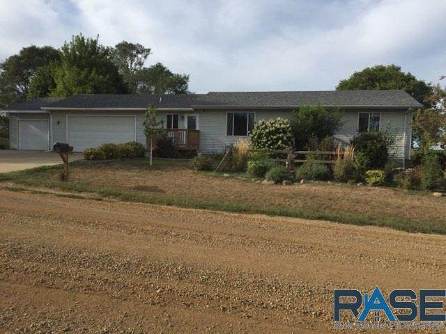 806 E 4th St, Crooks, SD 57020 (MLS #22005490) :: Tyler Goff Group