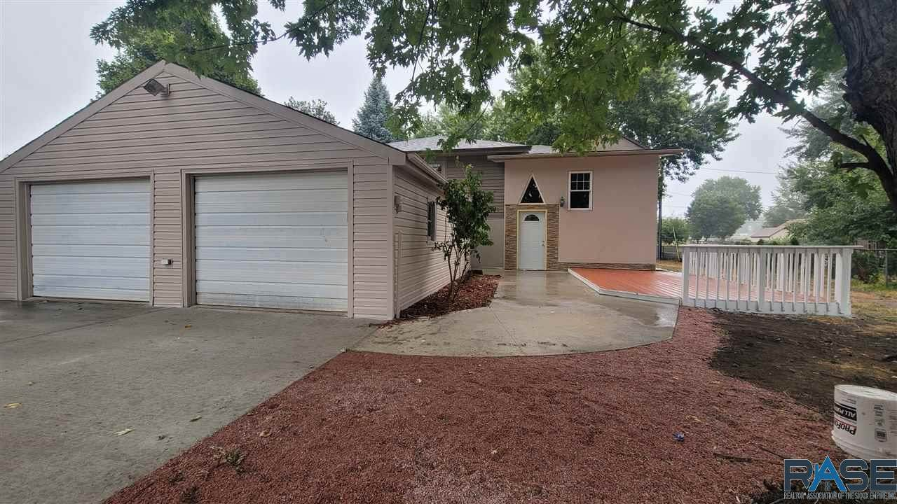 3520 9th Ave - Photo 1