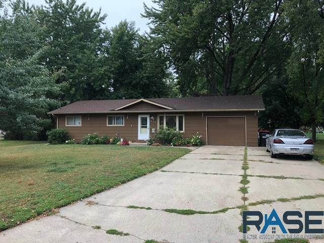 221 S 6th Ave, Brandon, SD 57005 (MLS #22005805) :: Tyler Goff Group