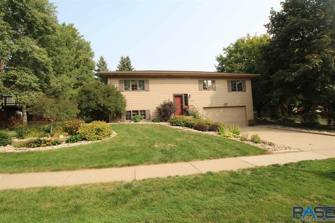 6000 Westminster Dr - Photo 1