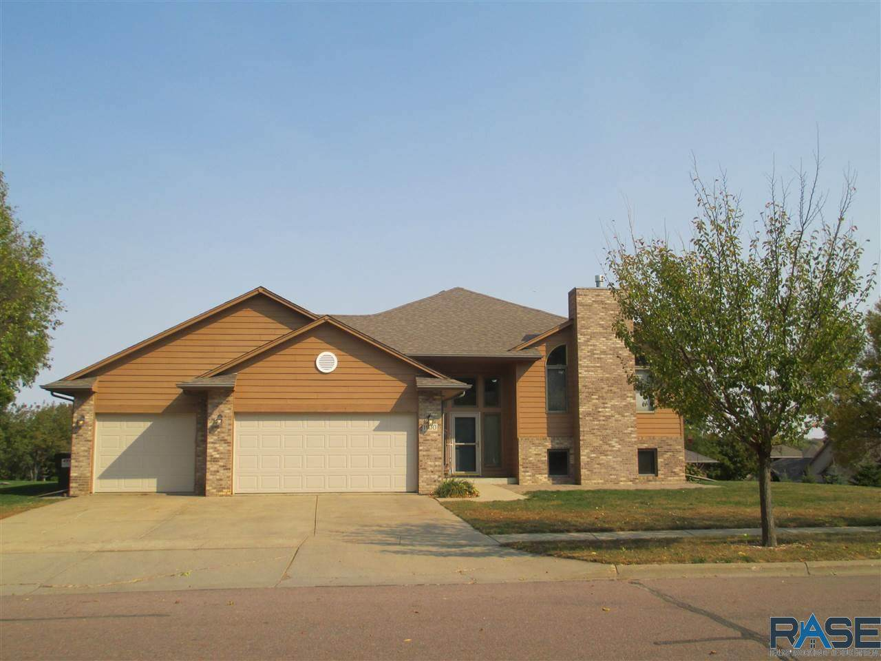 1100 Vail Dr - Photo 1