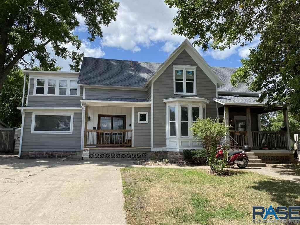 301 Prairie Ave - Photo 1