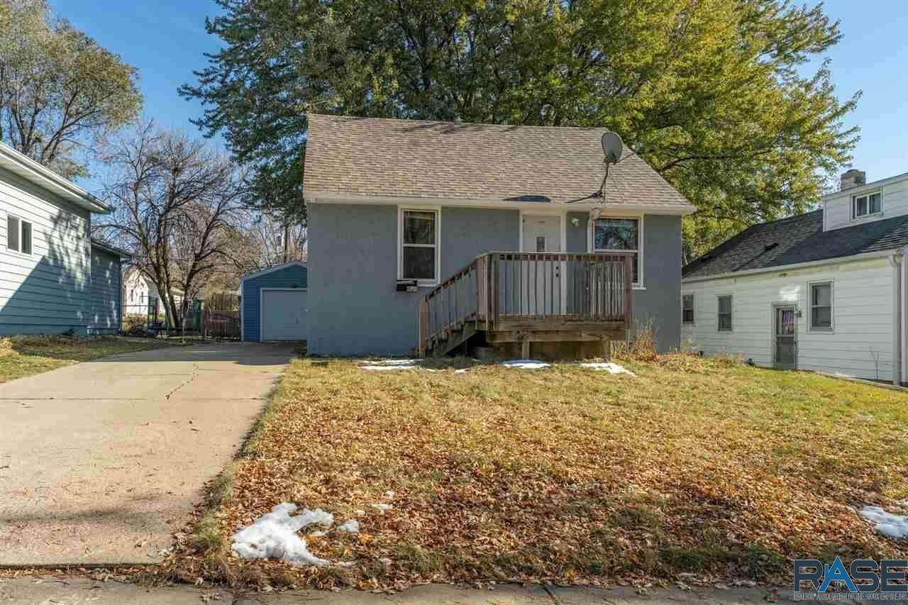 404 Highland Ave - Photo 1
