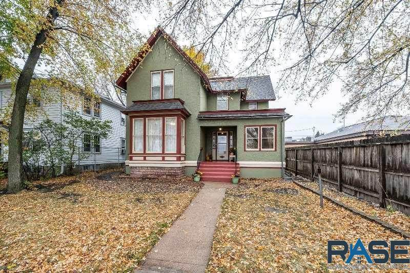 209 Spring Ave - Photo 1