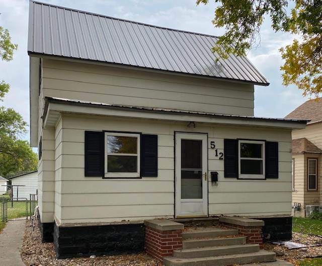 512 S Broadway Ave, Watertown, SD 57201 (MLS #22006912) :: Tyler Goff Group