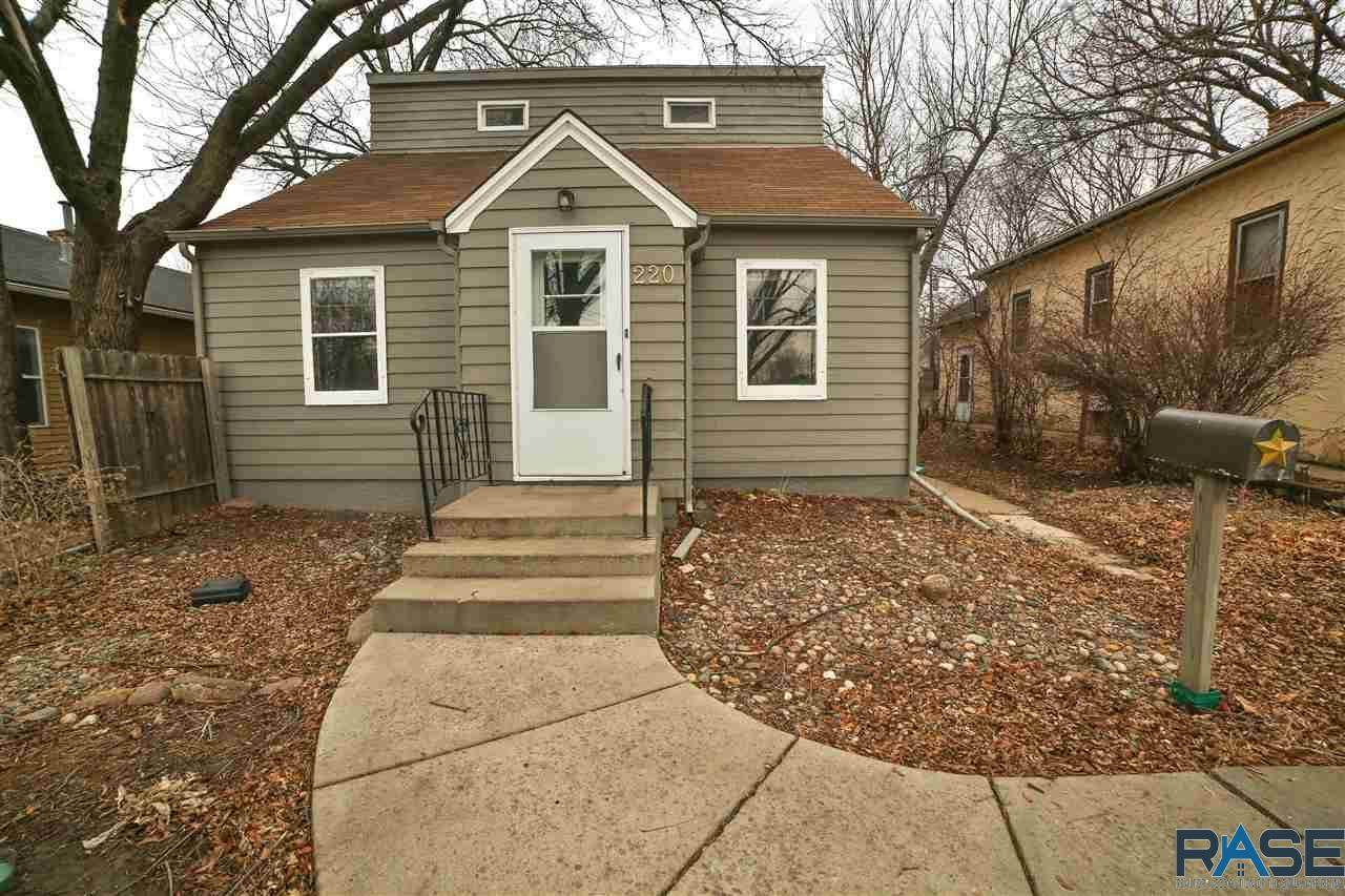 220 Covell Ave - Photo 1