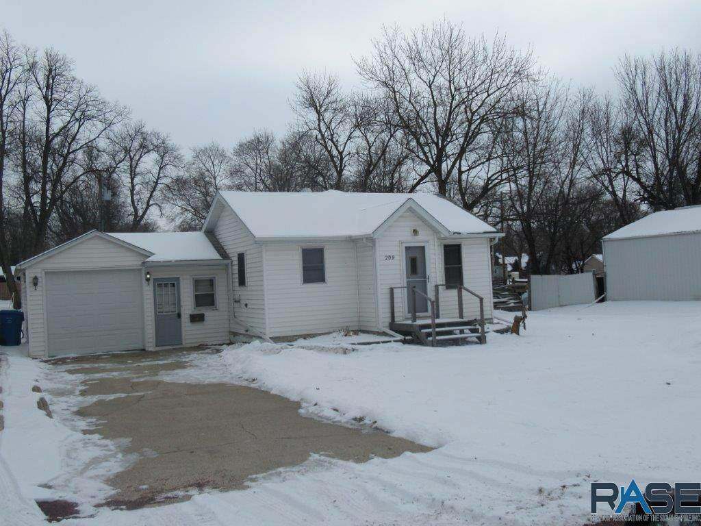 209 Central Ave - Photo 1
