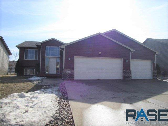 6901 W 65th St, Sioux Falls, SD 57106 (MLS #22100939) :: Tyler Goff Group