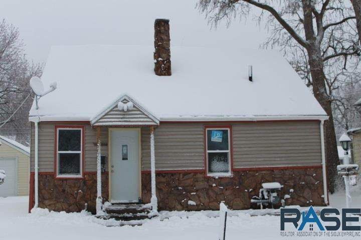 516 S Willow Ave - Photo 1