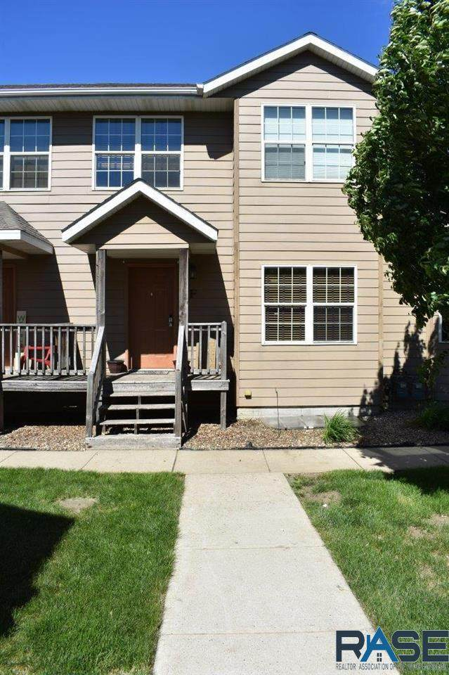 1812 S Mulberry Ave F, Brandon, SD 57005 (MLS #22103099) :: Tyler Goff Group