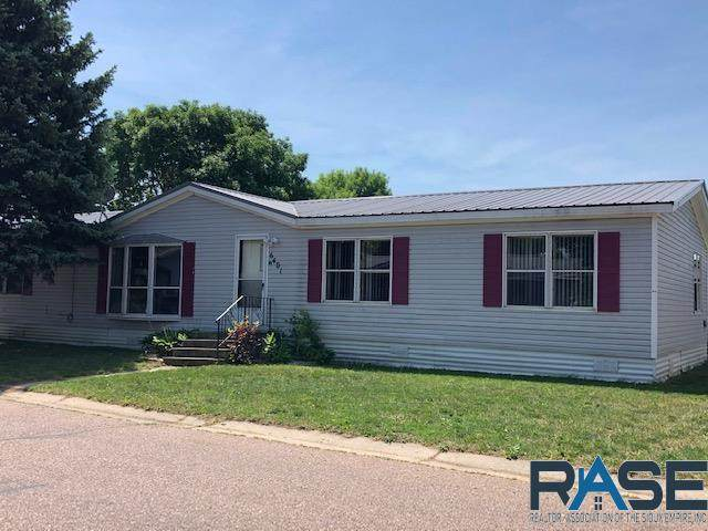 6401 W Silver Pl, Sioux Falls, SD 57106 (MLS #22103134) :: Tyler Goff Group