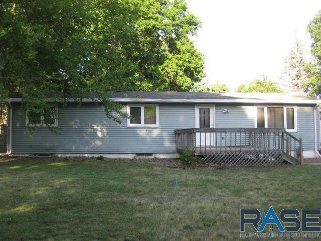 324 S 7th Ave, Brandon, SD 57005 (MLS #22103469) :: Tyler Goff Group
