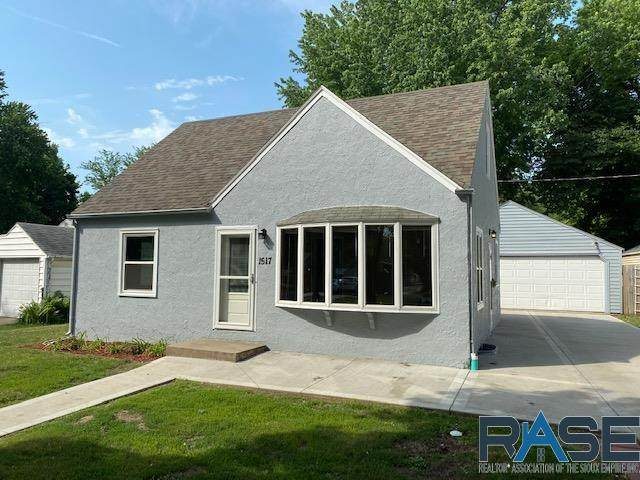 1517 S Frederick Dr, Sioux Falls, SD 57105 (MLS #22103522) :: Tyler Goff Group