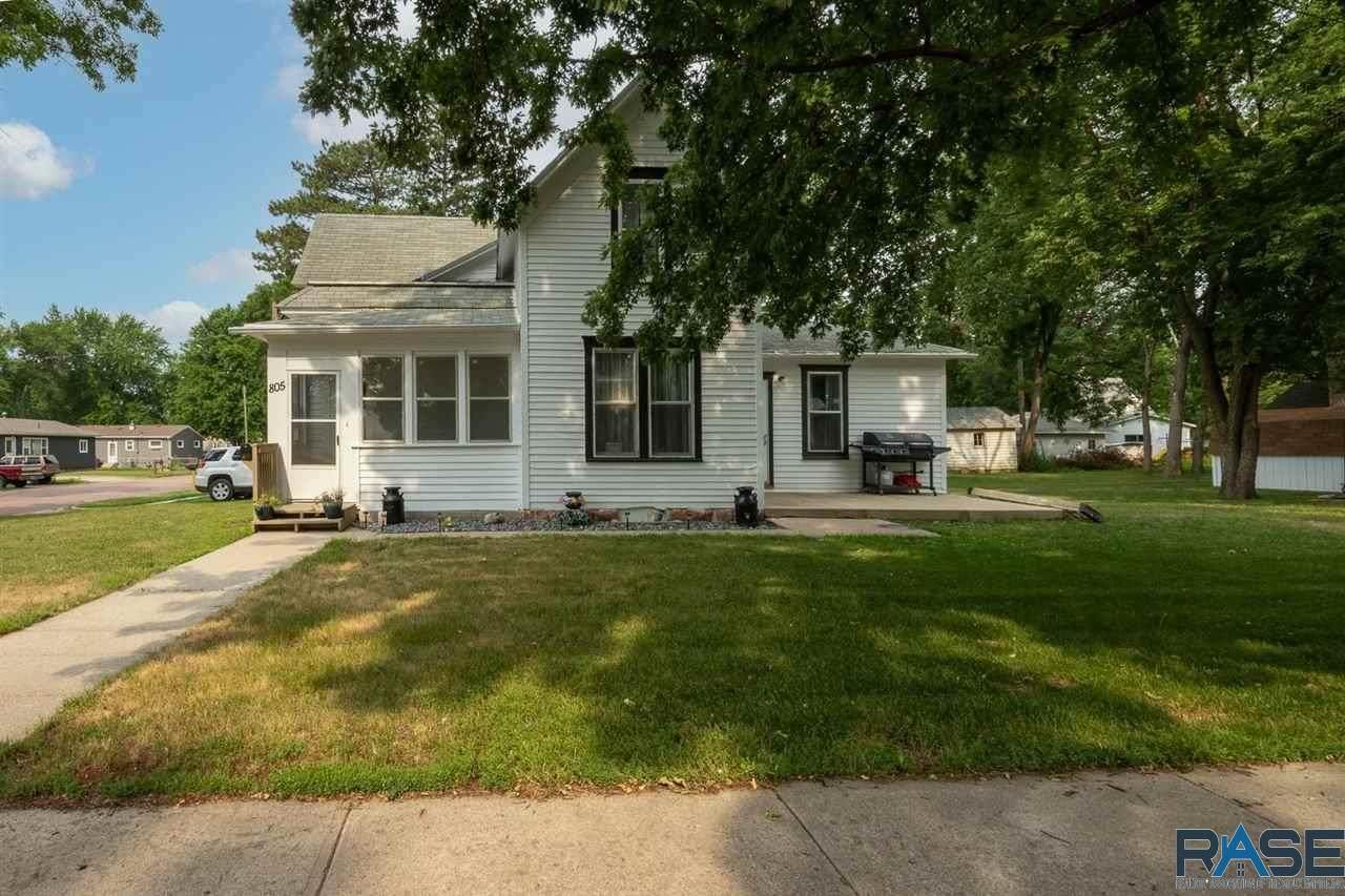 805 Washington Ave - Photo 1