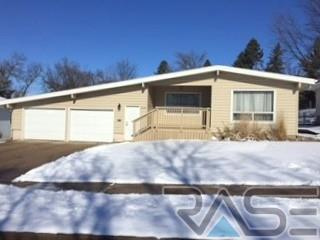 2108 E Allen Dr, Sioux Falls, SD 57103 (MLS #21700939) :: Peterson Goff Real Estate Experts