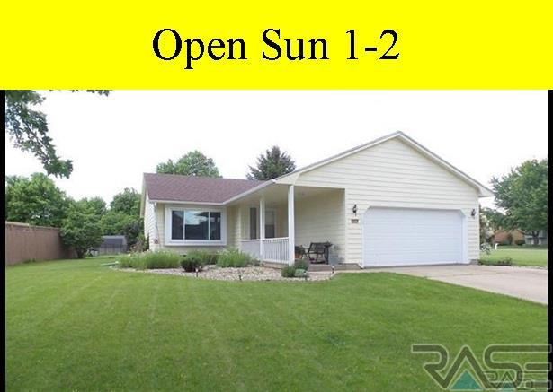 4409 S Holbrook Ave, Sioux Falls, SD 57106 (MLS #21704572) :: Tyler Goff Group