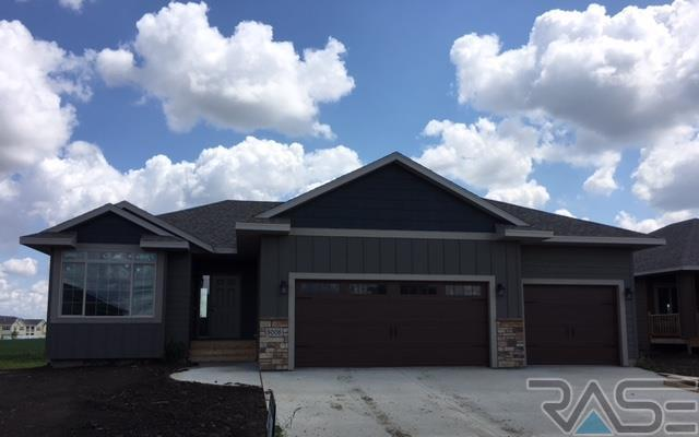 3008 S Keyrell Dr, Sioux Falls, SD 57106 (MLS #21705088) :: Tyler Goff Group