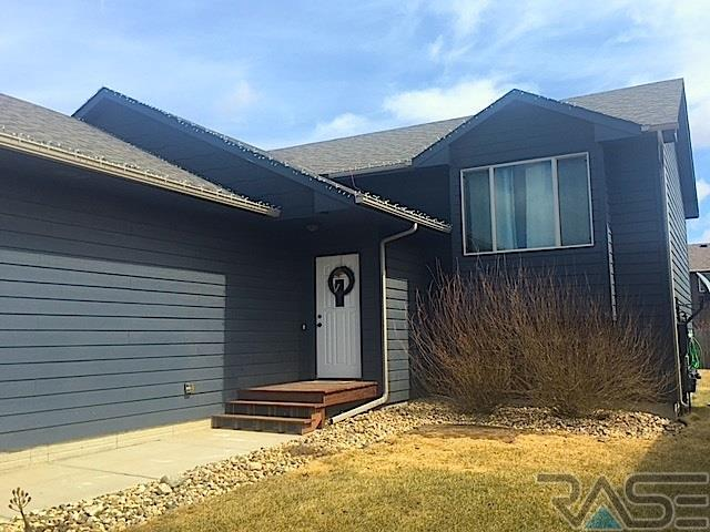 438 Macey Ave, Harrisburg, SD 57032 (MLS #21801657) :: Tyler Goff Group