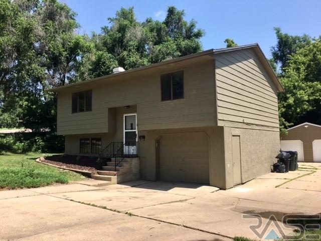 820 N Lewis Ave, Sioux Falls, SD 57103 (MLS #21804177) :: Tyler Goff Group