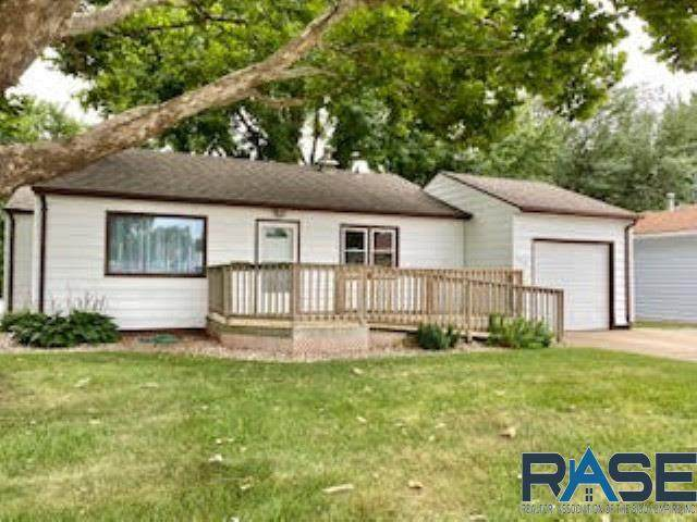 3317 E 18th St, Sioux Falls, SD 57103 (MLS #22004709) :: Tyler Goff Group