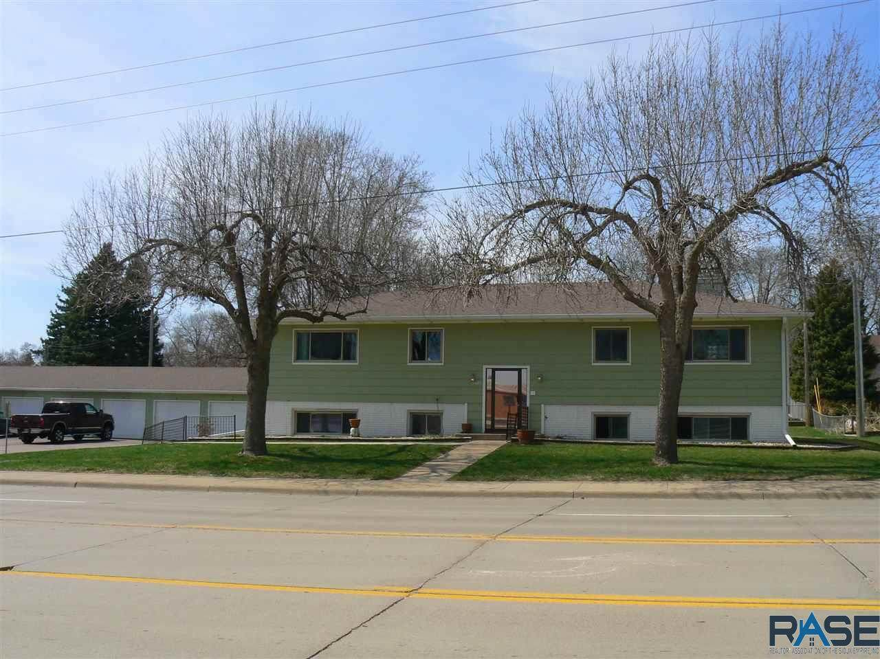 3005 So. Cliff Ave - Photo 1