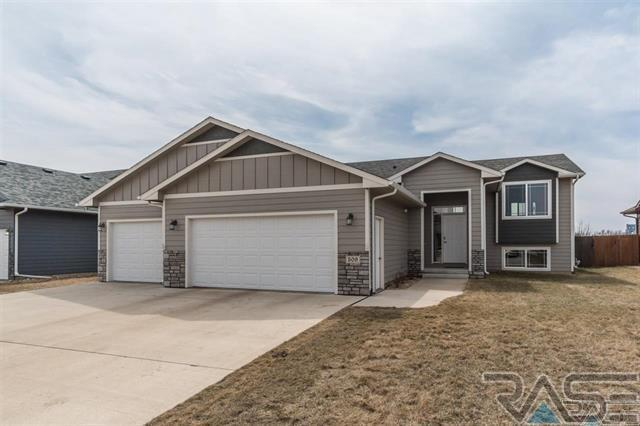 509 Josh St, Harrisburg, SD 57032 (MLS #21802040) :: Tyler Goff Group