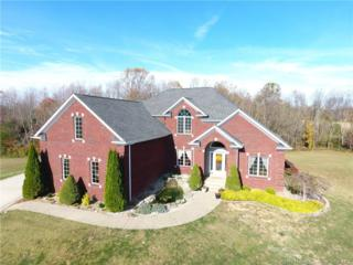 8827 Highland Lake Drive, Georgetown, IN 47122 (MLS #201705793) :: The Paxton Group at Keller Williams