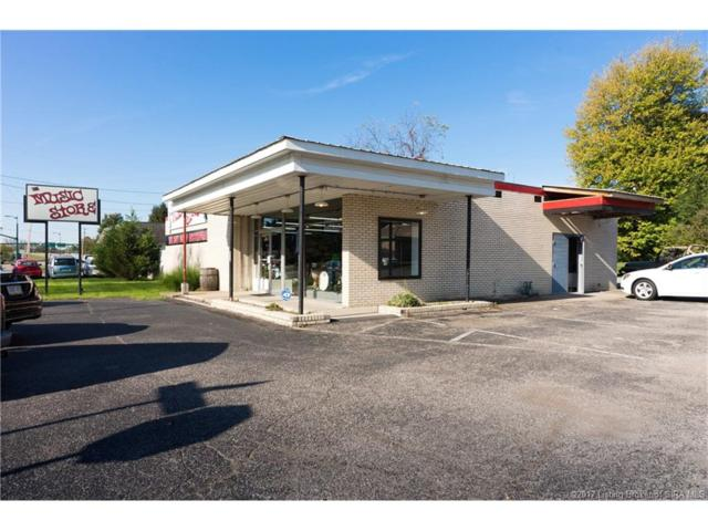 307 W Lewis And Clark Parkway, Clarksville, IN 47129 (MLS #2017010170) :: The Paxton Group at Keller Williams