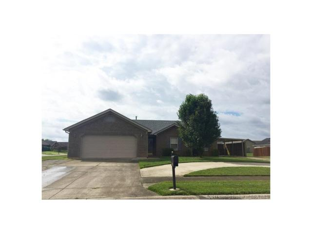 531 Presley Lane, Jeffersonville, IN 47130 (MLS #201707542) :: The Paxton Group at Keller Williams