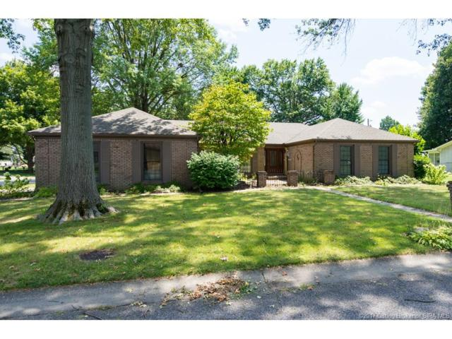 474 Kensington Drive, Clarksville, IN 47129 (MLS #201708684) :: The Paxton Group at Keller Williams