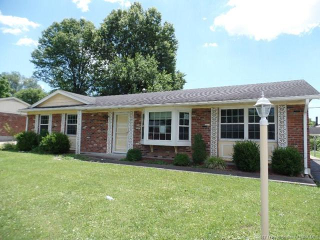1616 Jonquil Drive, Jeffersonville, IN 47130 (MLS #201709999) :: The Paxton Group at Keller Williams