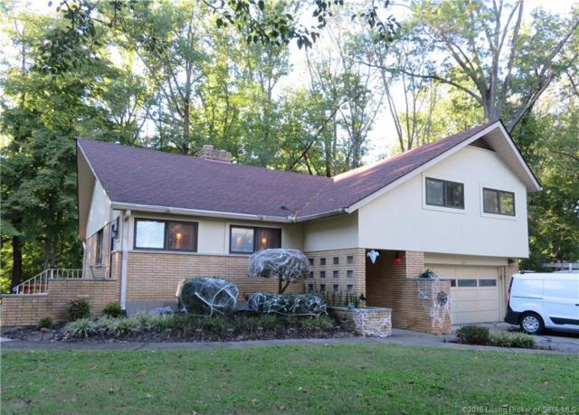 121 Forest Drive, Jeffersonville, IN 47130 (MLS #2018012519) :: The Paxton Group at Keller Williams