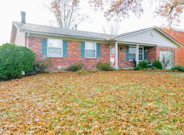 210 Ponder Way, Clarksville, IN 47129 (MLS #2018013375) :: The Paxton Group at Keller Williams