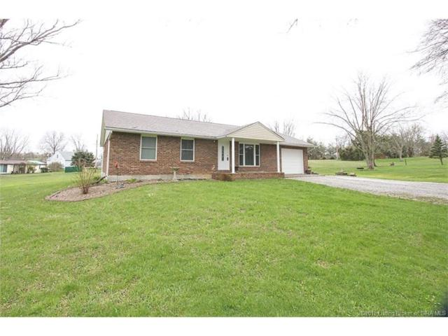 207 Sheri Drive, Georgetown, IN 47122 (MLS #201808160) :: The Paxton Group at Keller Williams