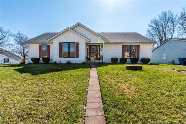 3848 Booker Avenue, New Albany, IN 47150 (MLS #201808639) :: The Paxton Group at Keller Williams