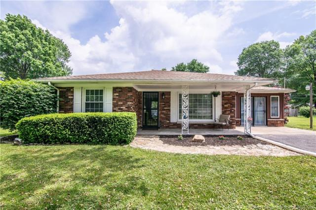 428 Hale Rd, Clarksville, IN 47129 (MLS #201808944) :: The Paxton Group at Keller Williams