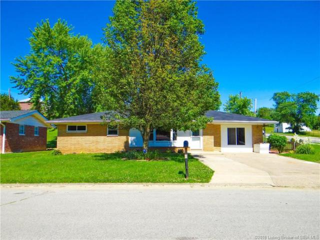 2400 Stover Drive, New Albany, IN 47150 (MLS #201809774) :: The Paxton Group at Keller Williams
