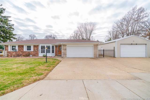 123 E Flamingo Drive, Clarksville, IN 47129 (MLS #2019012375) :: The Paxton Group at Keller Williams Realty Consultants