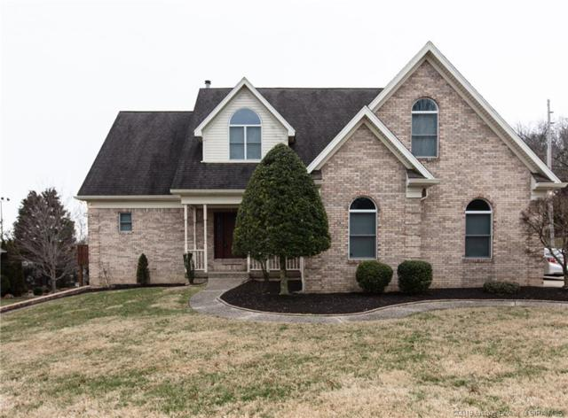 911 Falcon Run Road, New Albany, IN 47150 (MLS #201905909) :: The Paxton Group at Keller Williams