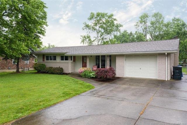 1350 Mill Lane, New Albany, IN 47150 (MLS #201907980) :: The Paxton Group at Keller Williams
